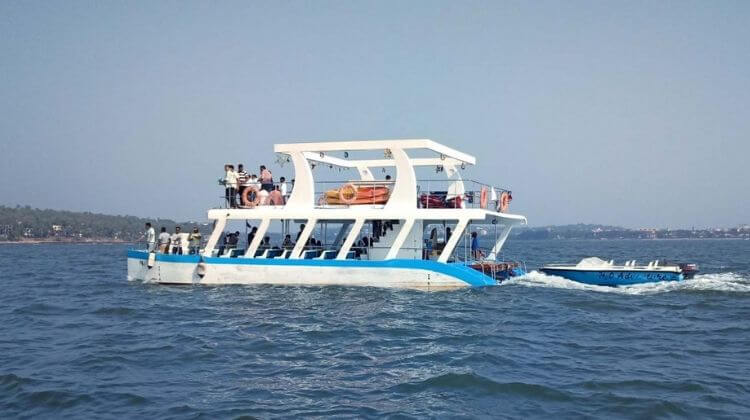 Amount For Adventure Boat Trip With Dolphin Safari in Goa