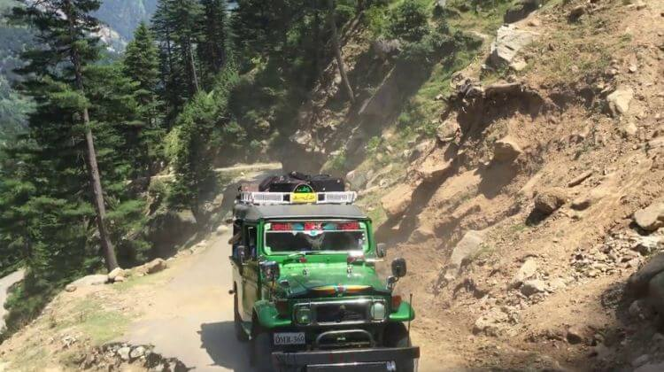 Kashmir Tour Package with Jeep Safari