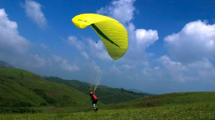 Kerala Tour Package with Paragliding