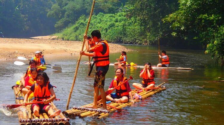 Kerala Tour Package with Bamboo Rafting