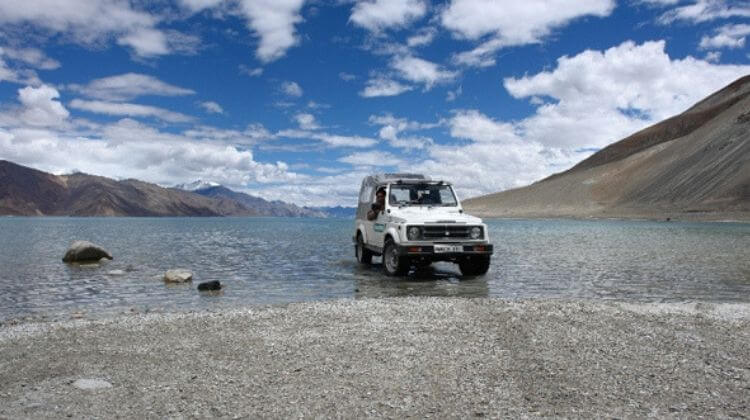 Manali Jeep Safari Season